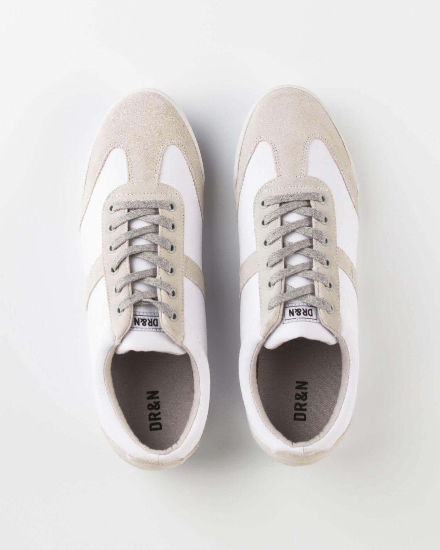Zapatilla deportiva blanca